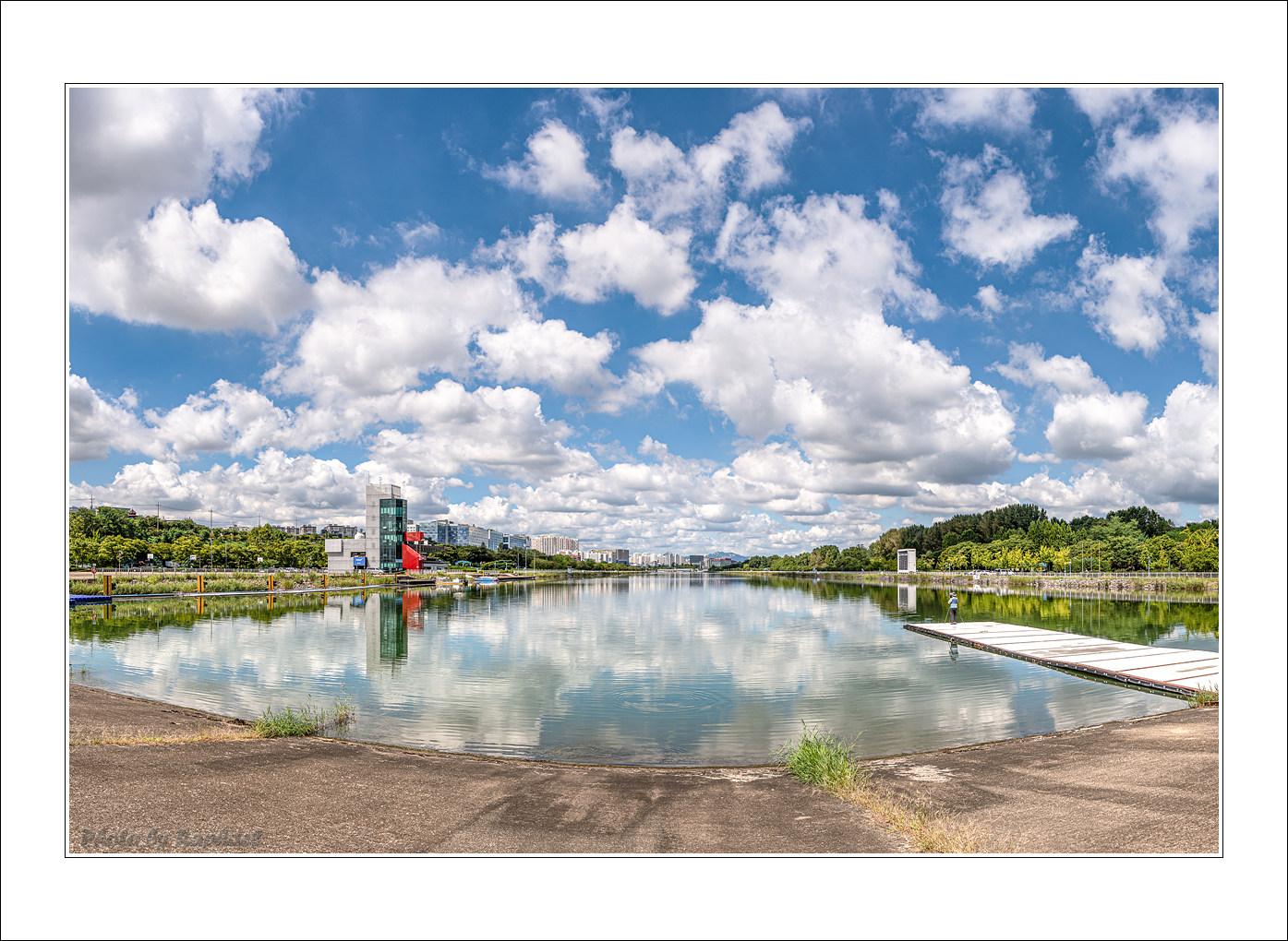 DSC_7822-26 2-3 Panorama.jpg
